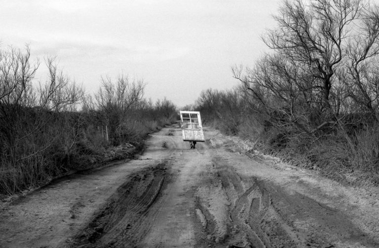 @Lucien Pelen, L'Homme-Porte, 2001