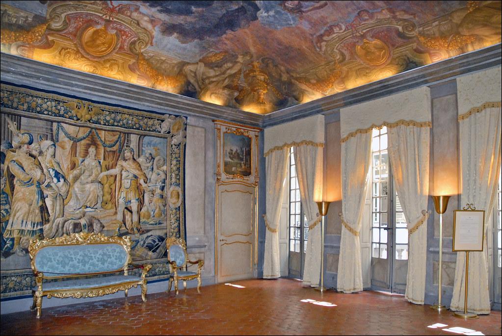 @Palais Lascaris