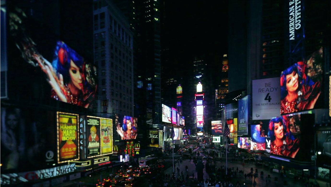 @David Bates, Jr., Bjork in Times Square, 2013